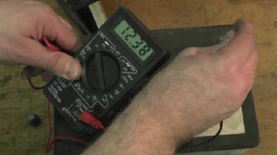 Определение степени заряда аккумулятора авто