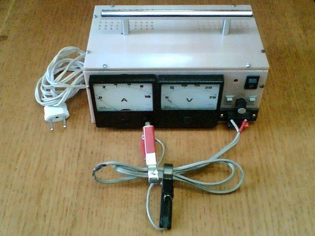 Устройство для зарядки аккумулятора своими руками