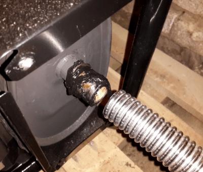 Отвод выхлопных газов от бензогенератора
